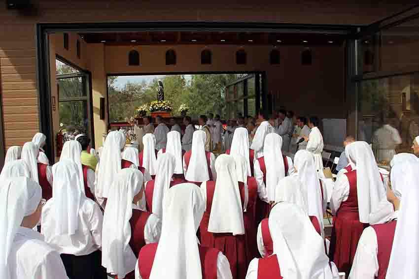 Hermanas Reparadoras Asociación Pública de Fieles reparadores nuestra señora la virgen de los dolores prado nuevo monjas consagradas