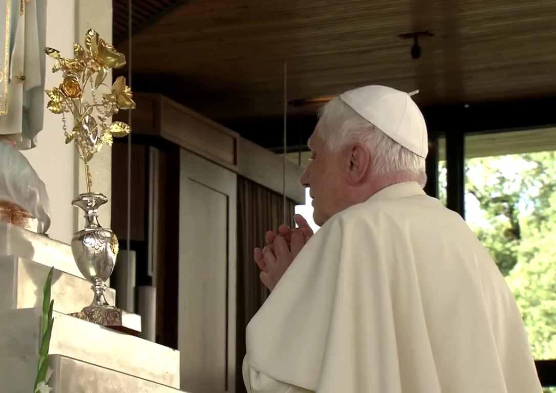 Visita de Benedicto XVI al Santuario de Fátima (12_de_Maio_de_2010)